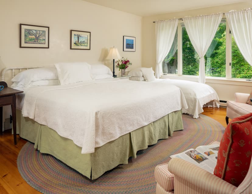 Cape House Studio room with a king bed and a twin bed next to the window