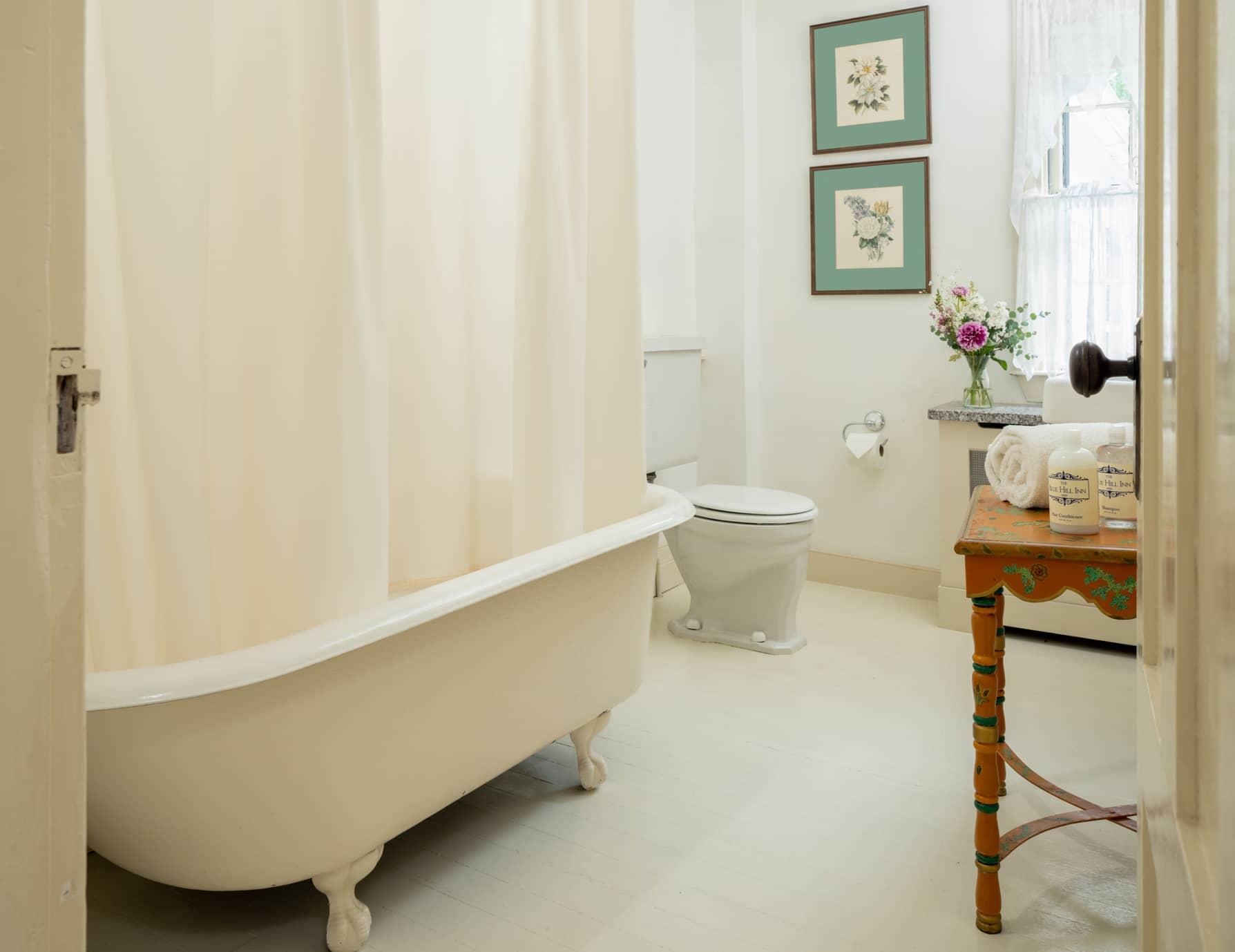 Room 3 bathroom with a antique clawfoot tub